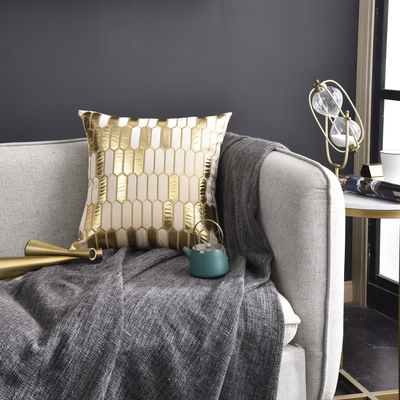 Monad Luxury Ready to ship In Stocks Fancy Gold Applique Velvet Decorative Hotel Cushion Cover